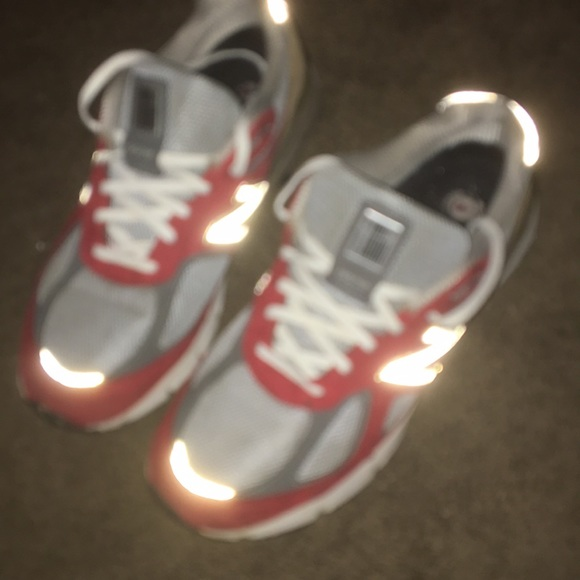 info for f7112 97bc2 red/grey/light brown new balance 990